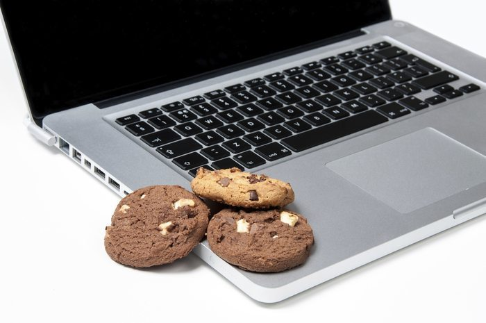 laptop tracking remarketing cookies